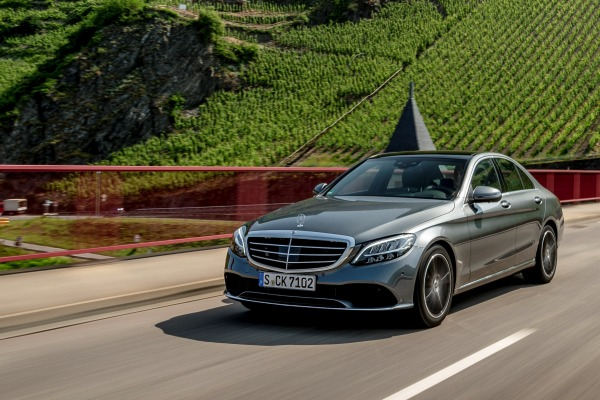 The New C 180 Avantgrade Line - Mercedes/Benz