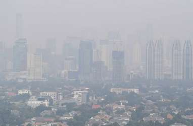 Kualitas Udara Bagus, Risma Klaim Banyak Warga Jakarta Pindah ke Surabaya