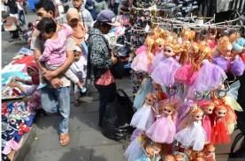 Pemprov DKI Siapkan Aturan Legalkan PKL di Trotoar