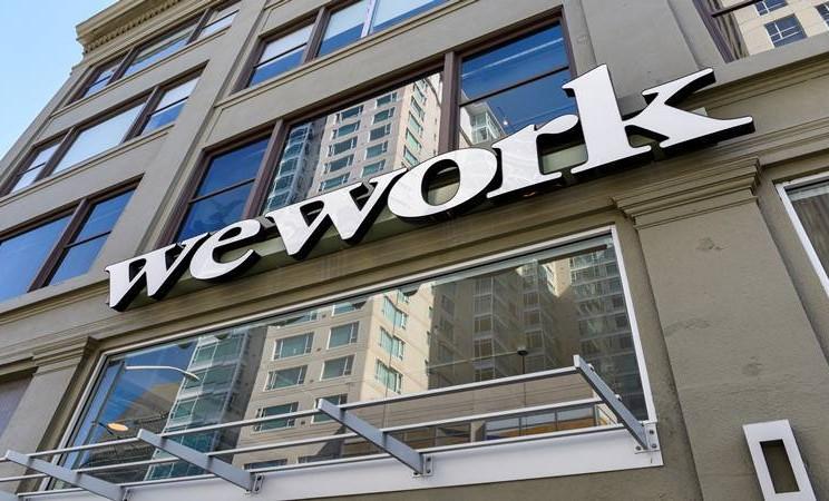Logo WeWork terlihat di luar kantornya di San Francisco, California, AS 30 September 2019.  - Reuters