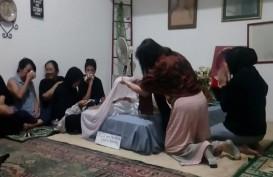 Dewi Irawan Punya Firasat Ade Irawan Meninggal