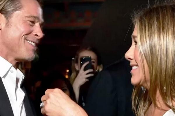 Brad Pitt dan Jennifer Aniston di SAG Awards 2020. - Youtube