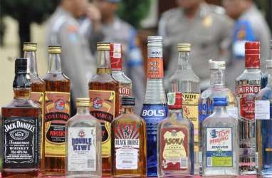 Polisi Bongkar Modus Peredaran Minuman Beralkohol Oplosan