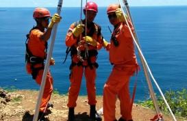 Wisatawan Inggris Diduga Jatuh dari Tebing Setinggi 170 Meter