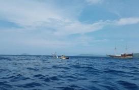 Kapal Pembawa Wartawan Istana Tenggelam Akibat Diterjang Gelombang