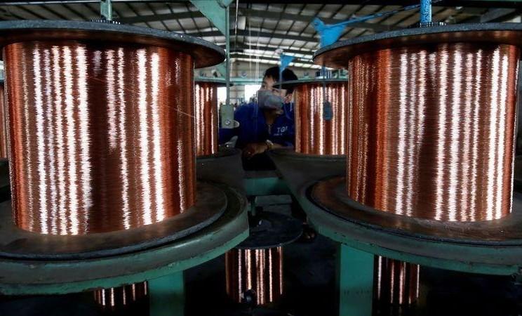 Batang tembaga di pabrik kabel Truong Phu di provinsi Hai Duong utara, di luar Hanoi, Vietnam. -  File Foto Reuters / Kham