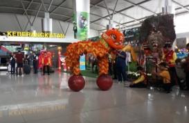 Penumpang di Bandara Juanda Naik Saat Imlek