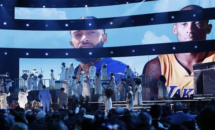 Penghormatan untuk superstar NBA Kobe Bryant di panggung Grammy Awards ke-62 di Los Angeles, California Amerika Serikat, 26 Januari 2020. - Reuters