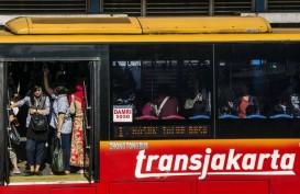 Seorang Penumpang Transjakarta Disilet Orang Tidak Dikenal di Halte Olimo