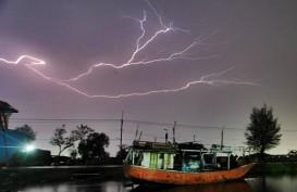 Cuaca Jakarta 28 Januari 2020, Hujan dan Petir pada Siang Hari