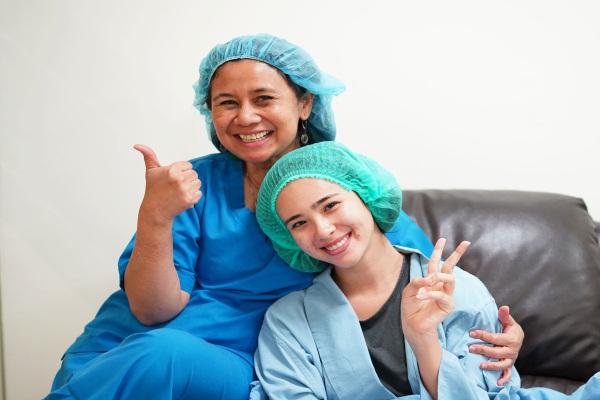 Pamela Bowie dan Dokter Rini Hersetyati