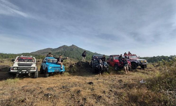 Tim Jelajah Jawa Bali 2019 mengelilingi Kawasan Gunung Batur dengan menggunakan jeep tour, Selasa (4/6/2019). JIBI/Bisnis - Tim Jelajah Jawa Bali 2019