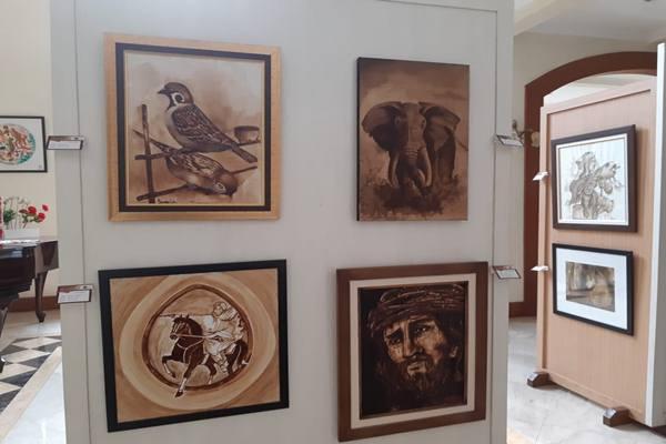 Pameran bertajuk Pameran Lukisan Nuasa Kopi digelar di Semesta Gallery pada 9-10 November 2018.JIBI - BIsnis/Gloria Fransisa Katharina Lawi