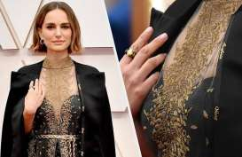 Jubah Natalie Portman yang Menyita Perhatian di Piala Oscar