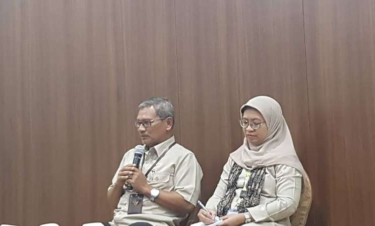 Sesditjen Pencegahan Pengendalian Penyakit Kementerian Kesehatan Achmad Yurianto (kiri) menyampaikan update terkait novel coronavirus atau virus corona, Senin (10/2/2020). JIBI - Bisnis/Denis Riantiza M.