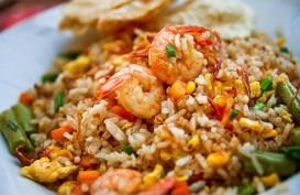 Nasi Goreng dan Sate Ayam di Festival Budaya Internasional