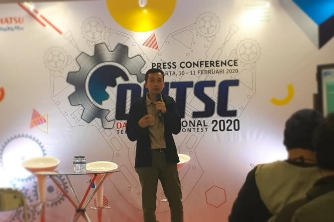 Anjar Rosjadi, Technical Service Division Head PT Astra Daihatsu Motor, memberikan keterangan dalam konferensi pers terkait ajang Daihatsu National Technical Skill Contest 2020 di Jakarta, Selasa (11/2/2020) - Bisnis.com/Oktaviano DB Hana.