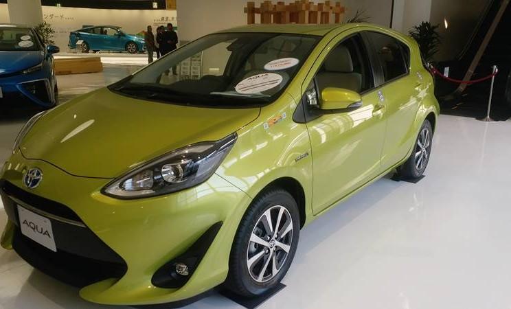 Toyota Aqua, mobil berteknologi hybrid di kelompok harga murah yang dipasarkan Toyota di Jepang. - Bisnis/Demis Rizky Gosta