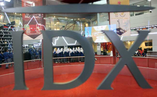 Pelajar berada di Main Hall Bursa Efek Indonesia Jakarta. Bisnis - Dedi Gunawan