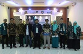 STIE Perbanas Surabaya, Membaca Peluang Bisnis Halal Lewat Semnas