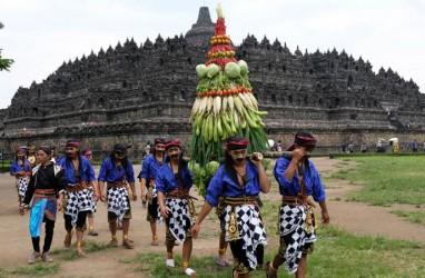 Daftar 'Dosa' Pengunjung Candi Borobudur yang Buat Kunjungan Turis Dibatasi