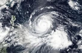 Badai Dennis Tunda Ratusan Penerbangan di Inggris