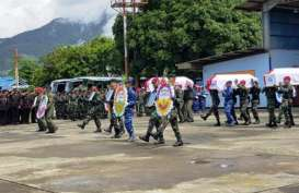 Jenazah 8 Prajurit Dilepas dengan Upacara Militer