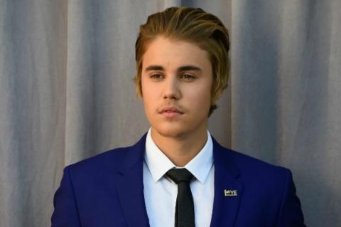 Justin Bieber - Hngn.com