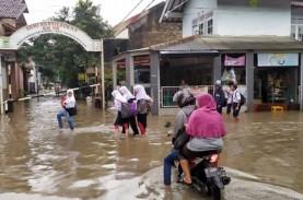 Hujan Lebat, 20 Titik di Kota Bandung Terendam Banjir