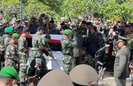 Pemakaman Prajurit TNI Korban MI-17 di Banyumas Khidmat