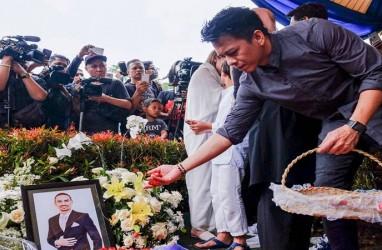 Iis Dahlia Tak Kuat Melihat Noah, Sebut Ashraf Sinclair Pendatang yang Ramah