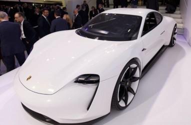 Mobil Listrik Taycan Terbakar di Garasi, Porsche Langsung Investigasi
