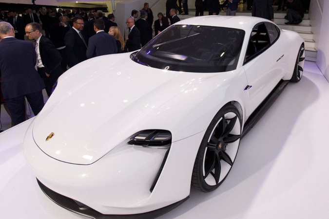 Taycan, salah satu mobil listrik keluaran Porsche. - Bloomberg.