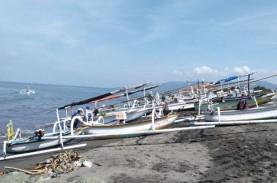 Nelayan Mataram tak Melaut akibat Gelombang Tinggi…