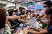 Viral Video Karyawan Pabrik Injak-Injak Masker saat Dikemas