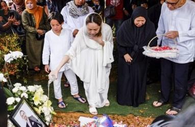 Ernest Prakasa Sebut Media Eksploitasi Kematian Suami BCL Ashraf Sinclair