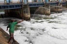 Hujan Guyur Ibu Kota Dini Hari, Enam Pintu Air di…