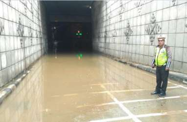 Jakarta Banjir Lagi, Underpass Matraman Terendam Air
