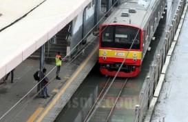 JAKARTA BANJIR : Layanan Angkutan Umum di Ibu Kota Terganggu
