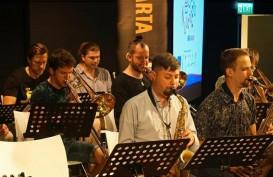 Kolaborasi Lintas Generasi, NusantEro Big Band Meriahkan Java Jazz