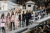 Monokrom Dominasi Koleksi Musim Dingin Chanel