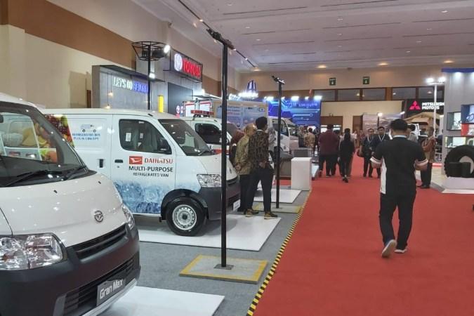 Salah satu sisi ruang pameran di Gaikindo Indonesia International Commercial Vehicle Expo (Giicomvec) 2020 yang diselenggarakan di Jakarta, Kamis (5/3/2020) - Bisnis.com  -  Setyo Aji Harjanto.