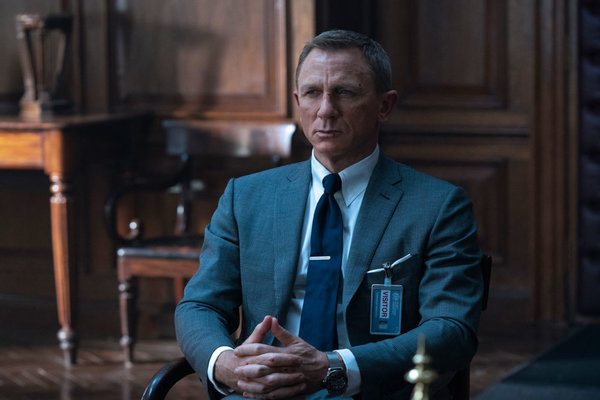 Daniel Craig kembali memerankan James Bond dalam film No Time To Die - 007 Official Site