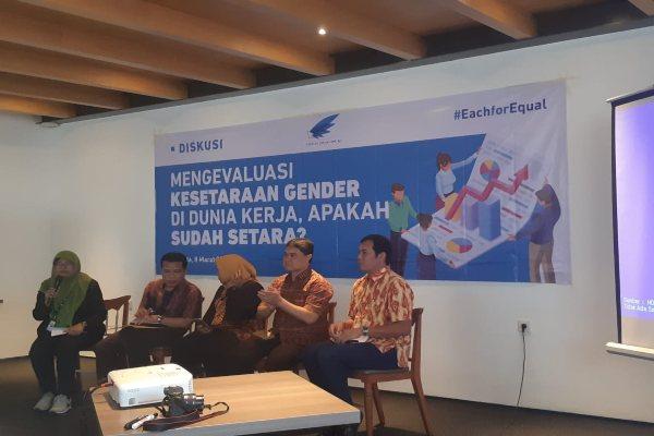 Diskusi Mengevaluasi Kesetaraan Gender di Dunia Kerja. - Gloria FK. Lawi
