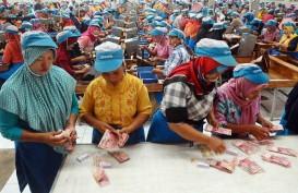 ASPEK PERLINDUNGAN DI RUU CIPTA KERJA : Pekerja Perempuan di Persimpangan