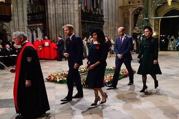 Pangeran Harry dan Meghan Markle, serta Pangeran William dan Kate Middleton dalam acara peringatan Perang Dunia I di Westminster Abbey Inggris. - Instagram@kensingtonroyal