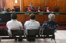 Kasus Jalan Ambles Gubeng, Terdakwa Diputus Bebas