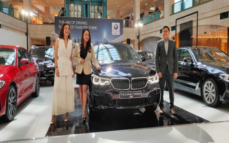 """BMW Group Indonesia menggelar pameran """"BMW Exhibition"""" di Plaza Senayan pada 13-15 Maret 2020. - Setyo Aji - Bisnis"""