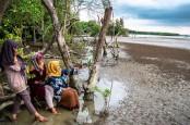 Menparekraf: Industri Pariwisata untuk Sementara Stop Promosi
