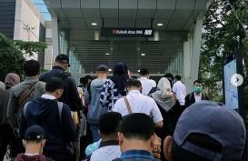 Virus Corona, Antrean Mengular di Stasiun MRT Fatmawati